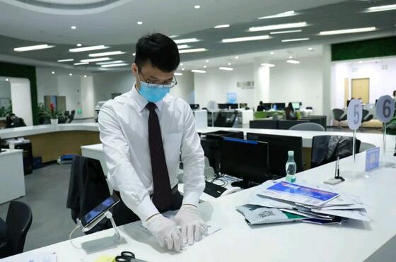"""深圳出了个暖""""南"""",随时在线为企业和群众提供安全高效的服务"""